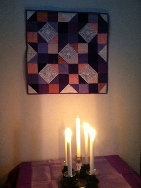 Advent quilt and candles